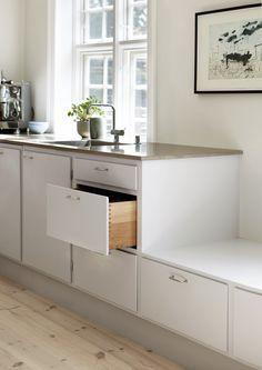 Ikea Kitchen Inspiration, Küchen Design, Interior Design, Kitchen Dining, Kitchen Cabinets, Kitchenette, House Rooms, Countertops, Sweet Home