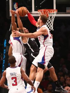 Blake Griffin got Deron Williams real good
