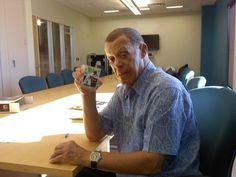 Dodgers great Maury Wills showing off his Archives auto!