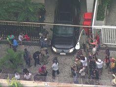 Carro leva Sérgio Cabral para a PF (Foto: Reprodução TV GLOBO)