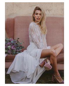 Muero de amor con las novias de @immaclenovias  { by @serafin_castillo}. #goodnight #buenasnoches #wedding #weddingday #boda #bride #bridetobe #bridal #novia #groom #mariee #vestidodenovia #weddingdress #bohemian #bouquet #pink #chic #photography #photoshoot #inlove #amazing #espectacular #beautiful #stunning #weddinginspiration #inspiration #love #like #picoftheday #siempremia