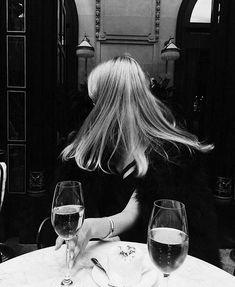Christy Turlington, Style Parisienne, Lauren Hutton, Edita Vilkeviciute, Toni Garrn, Gone Girl, Glamour, Linda Evangelista, Amanda Seyfried
