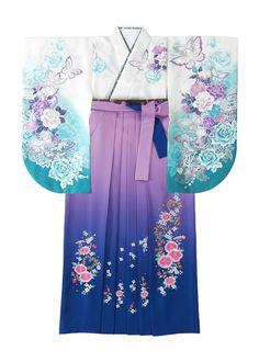 着物:白 / 浜乙女  袴:藤・紺 ボカシ刺しゅう    Kimono: Hamaotome  Hakama: purple & navy graduation