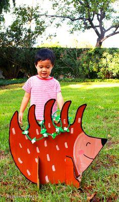 Cardboard Hedgehog Ring Toss Game - so cute! | mollymoocrafts.com