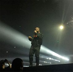http://www.youngmoneyhq.com/2016/07/26/drake-performs-9-u-with-me-childs-play-faithful-controlla-too-good-austin-texas-summer-sixteen-tour/