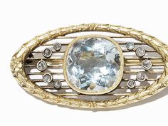 Antique Fabergé brooch in gold with diamonds and aquamarine, workmaster August Hollming