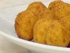 Receita Entrada : Bolinhos de provolone delicioso de Receitas & Comidas