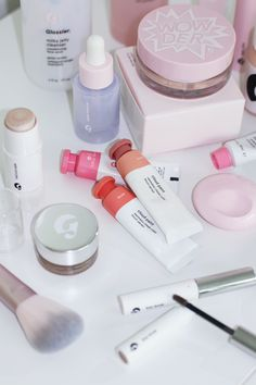 The Glossier Beauty Bible. aesthetic makeup The Glossier Beauty Bible - Lily Like Beauty Care, Beauty Skin, Beauty Makeup, How To Do Makeup, Cute Makeup, Glossy Makeup, Skin Makeup, Beauty Bible, Makeup Brands