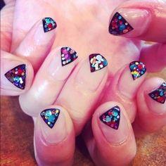 glitter geometrico nail art