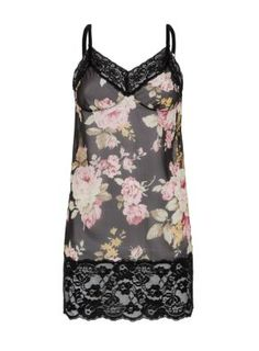 Look- Black and pink floral chemise- Wide lace trim- Mini length- Sem sheer finish New Look Fashion, Teen Guy Fashion, New Day, Floral Lace, Lace Trim, Fashion Online, Ideias Fashion, Latest Trends, Valentines