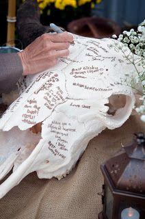 Buffalo Skull guest sign-in, rustic farm wedding, #blessedoakfarm, Oklahoma wedding venue, photography by www.frozenweddings.com