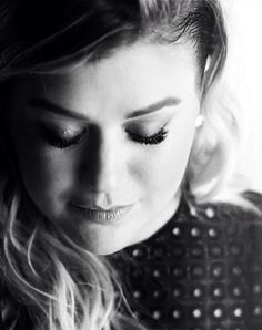 Kelly Clarkson Piece by Piece: it's easy to dwell on the past, but it takes strength to rise above and be truly happy