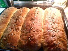 4 bröd i en långpanna