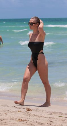 BIANCA ELOUISE in Swimsuit at a Beach in Miami 07/20/2017 ...