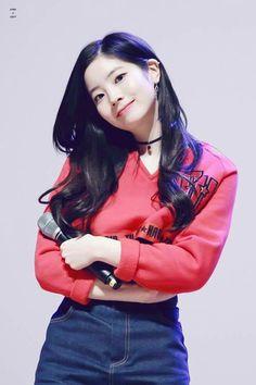 Kim Dahyun Dahyun Nayeon Kpop e Twice dahyun t Twice Jyp, Twice Once, Nayeon, South Korean Girls, Korean Girl Groups, Asian Woman, Asian Girl, Jihyo Twice, Twice Dahyun