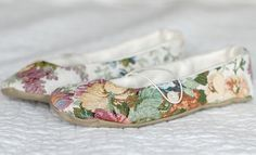 A Gift a Day: Day Fifteen--Tapestry Slippers - The Prudent Homemaker Blog