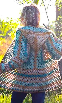 [Free Crochet Pattern] Extremely Customizable Four-Season Granny Sweater Will Fit Your Specific Body Type