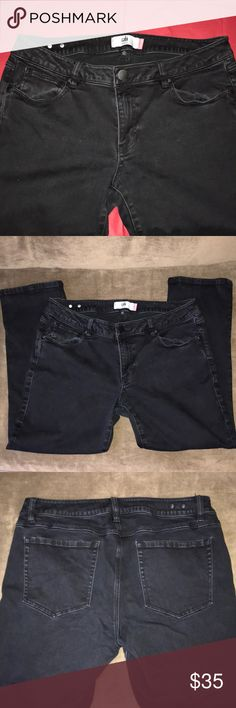 cabi New Crop Black Jeans cabi New Crop Black Jeans, size 12. Ankle length. Some stretch to the fabric. Black color appears slightly faded in some spots but jeans are in great used condition. cabi Jeans Ankle & Cropped