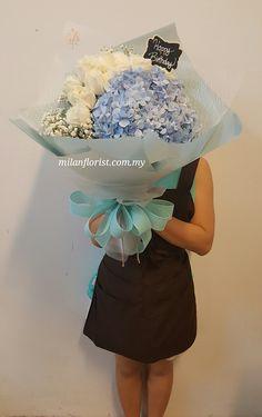 #WhiteRose,#BlueHydrangea,#HappyBirthday,#MilanStyle,#milanflorist,#MFMA 米兰花屋 Milan Florist Mount Austin Tel:016-7677027 /016-7704487 www.milanflorist.com.my