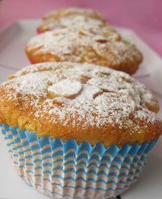 SeMaVeR: elmalı, portakallı, bademli muffin