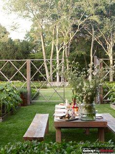 lattice wire mesh fence
