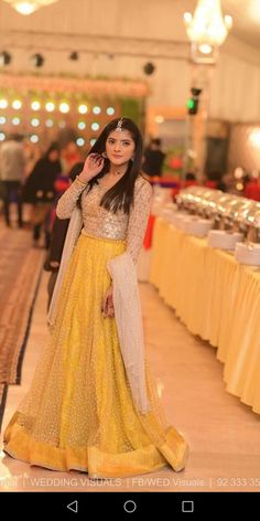 Mayyon formal sharara Pakistani Mehndi Dress, Beautiful Pakistani Dresses, Pakistani Fashion Party Wear, Pakistani Formal Dresses, Pakistani Wedding Outfits, Pakistani Bridal Wear, Pakistani Dress Design, Beautiful Dresses, Pakistani Couture