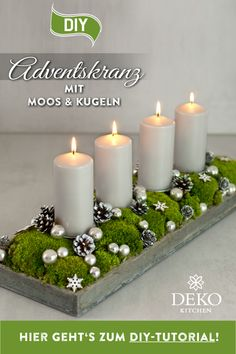 DIY Christmas decoration: pretty advent wreath with moss & balls, DIY advent wreath to make yourself. You can easily implement this elongated Advent arrangement with a candle tray. Christmas Crib Ideas, Christmas Holidays, Christmas Crafts, Christmas Decorations, Xmas, Diy Candles Video, Moss Decor, Advent Wreath, Navidad Diy