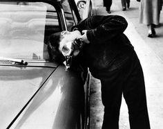 Untitled, Photo by Leon Levinstein, c 1958
