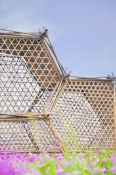 Arquitectura geométrica de bambú en China. #arquitectura #architecture #efimera #ephemeral #inspiration #inspiracion #creatividad #creativity #bambu #modular #modulos #construction #construccion