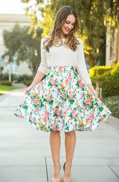 Kathleen Garden Floral Midi Skirt from Morning Lavender. Saved to Skirts. Shop more products from Morning Lavender on Wanelo. Modest Outfits, Skirt Outfits, Modest Fashion, Dress Skirt, Summer Outfits, Cute Outfits, Fashion Outfits, Womens Fashion, Fashion Tips