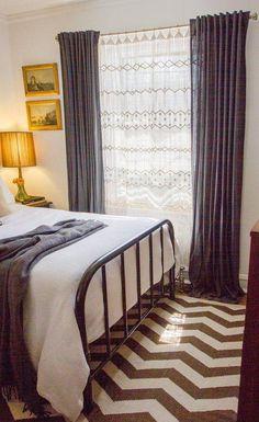Cortina de crochê compondo com cortina de tecido