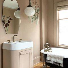 Big personality, this one. Pedestal Sink Bathroom, Sink Faucets, Clawfoot Bathtub, Vintage Bathroom Lighting, Vintage Bathrooms, Cedar And Moss, Modern Aesthetics, Built In Storage, Cool Rooms