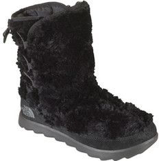 This lightweight boot features a Mossbud fleece upper for cozy winter warmth. The uppers are water-resistant Mossbud fleece, with a protective suede mudguard and heel cap, with a cushioned, lightweight injection-molded EVA outsole with an inset TNF Winter Grip® rubber center pod with IcePick&#1