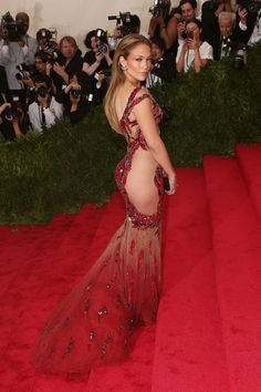 Met Gala red carpet 2015 Jennifer gave us quite | Jennifer Lopez's 71 Sexiest Styles Ever | POPSUGAR Fashion Photo 70