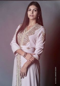 Moroccan Caftan, Moroccan Style, Modest Fashion, Hijab Fashion, Mode Simple, Beautiful Costumes, Couture, Traditional Outfits, Tunic Tops