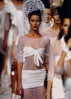 Christy Turlington, Karl Lagerfeld S/S 1994