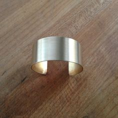 Make a classic metal cuff in 8 simple steps: Free jewelery tutorial on Craftsy