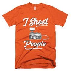 I Shoot People Photographers Short sleeve men's t-shirt