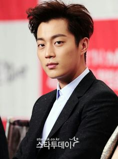 dujun 윤두준 비스트 b2st yoon doo joon Kdrama, Korean Men, Korean Actors, Yoon Doo Joon, Yoseob, Hot Asian Men, My Highlights, Korean Artist, Favorite Person