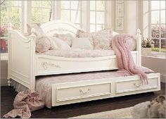 Young America by Stanley Isabella Daybed with Optional... | review | Kaboodle