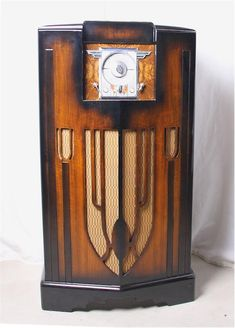 Tvs, Rock And Roll, Retro Radios, Old Time Radio, Record Players, Phonograph, Vintage Tv, Old Tv, Audio Equipment
