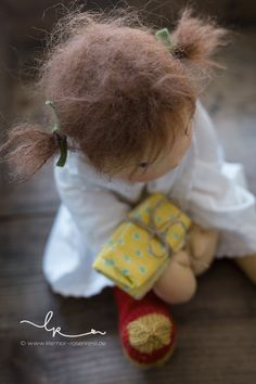 Waldorf Toys, Hello Dolly, Doll Hair, Soft Dolls, Fabric Dolls, Doll Patterns, Beautiful Dolls, Needle Felting, Lana