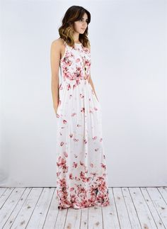 IN LOVE with this floral maxi! Need this in my subsequent field! Attempt STITCH FIX at present IN LOVE with this floral maxi! Need this in my subsequent field! Attempt STITCH FIX at present Short Beach Dresses, Long Summer Dresses, Summer Outfits, Dress Summer, Vestidos Luau, Pretty Dresses, Sexy Dresses, Halter Dresses, Mode Outfits
