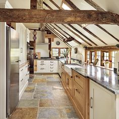 Superb country kitchen flooring beautiful kitchens dream home farmhouse ideas laminate . Country Kitchen Flooring, Modern Country Kitchens, Country Kitchen Designs, Modern Kitchen Design, Home Kitchens, Kitchen Country, Kitchen White, Slate Floor Kitchen, Modern Country Style