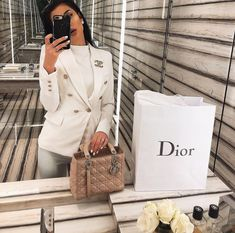 Discovered by 𝓣𝓱𝓮 𝓑𝓸𝓼𝓼 𝓑𝓪𝓫𝓮 ♕. Find images and videos about fashion, cute and style on We Heart It - the app to get lost in what you love. Winter Fashion Outfits, Fall Winter Outfits, Look Fashion, Chic Outfits, Trendy Outfits, Girl Fashion, Girly Outfits, Classy Outfits For Women, Classy Women