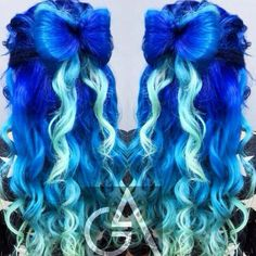 Two tone royal blue dyed hair. Love this hair color Teal Hair Color, Cute Hair Colors, Hair Colours, Twisted Hair, Coloured Hair, Dye My Hair, Scene Hair, Grunge Hair, Mermaid Hair