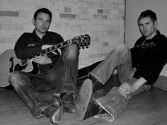 Acoustic By Candlelight with Neil Byrne & Ryan Kelly of Celtic Thunder @ Fiddler's Green Tickets in San Francisco, CA, United States
