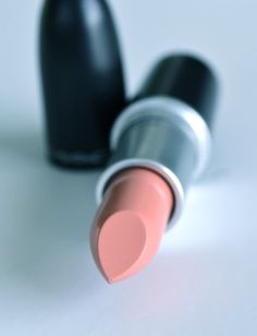 How to...Achieve the Perfect Nude Lip