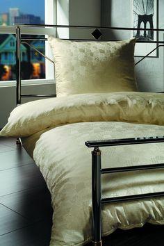 silk-bedware-cellini-design-seidenbettwaesche-058 #Silk pillow case, bedsheet and duvet cover made in Germany by #Cellini Design. Custom sizes possible. #Seidenbettwäsche aus reiner #Seide von #Spinnhütte Cellini Design aus Deutschland.