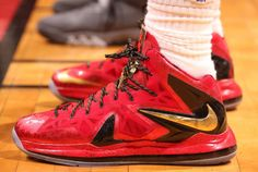 Throwback Thursday: Looking Back at Nike LeBron Finals PEs Discount Running Shoes, Discount Sneakers, Sneakers Nike, Nike Tights, Nike Boots, Nike Basketball Shoes, Basketball Stuff, Lbj Shoes, Nike Air Max 2012